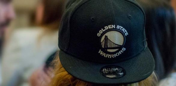 5 combinaciones que toda persona puede considerar al usar una gorra